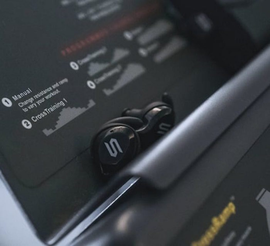 Blade Ultimate AI Fitness Earbuds