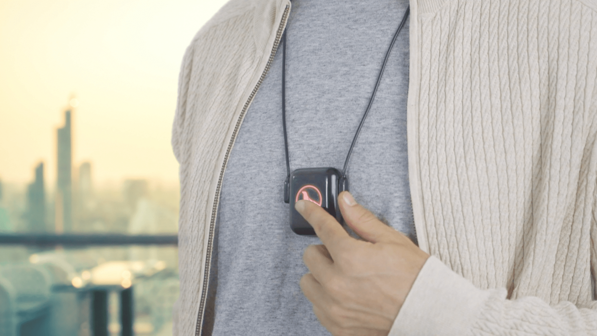 Polar Seal GEMM The Revolutionary Pocket Sized Wearable Heating & Cooling Device